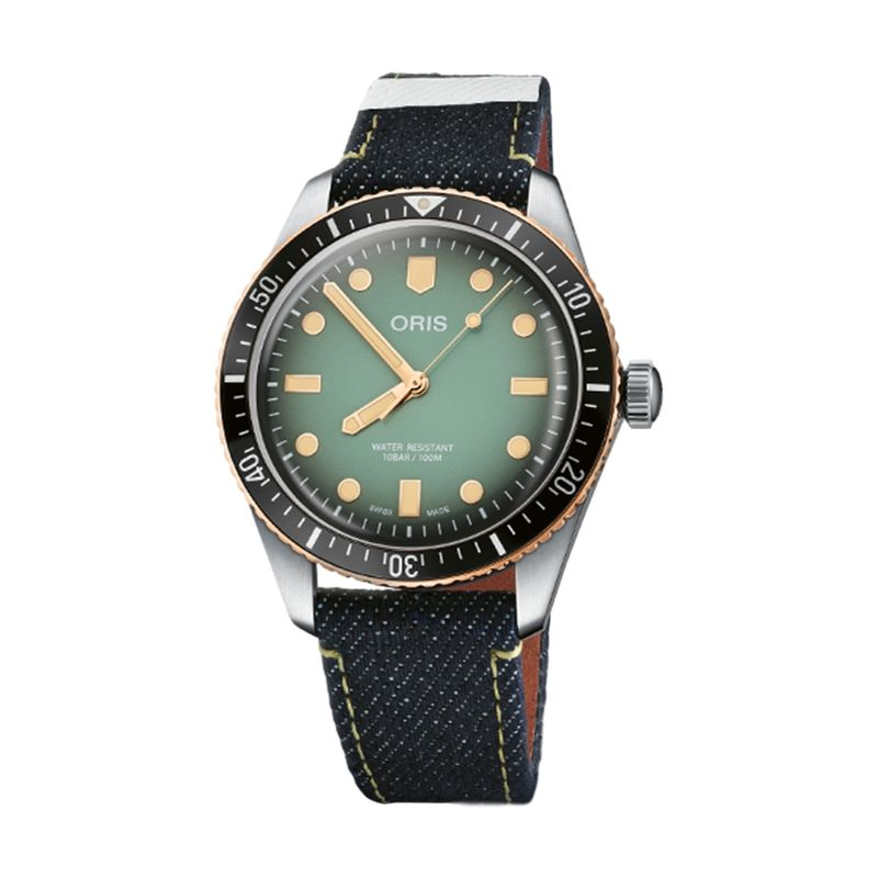 Divers Sixty-Five X Momataro