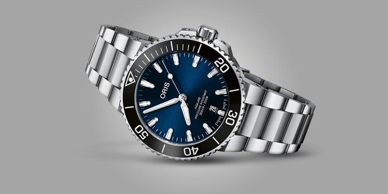 Oris Aquis Automatic Diver's watch on bracelet