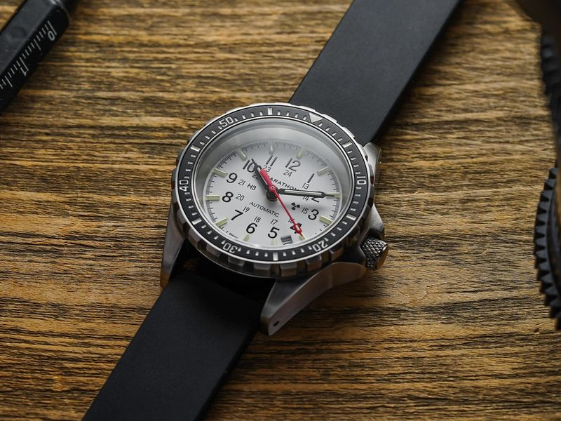 The PERFECT Diver for Smaller Wrists 36 mm
