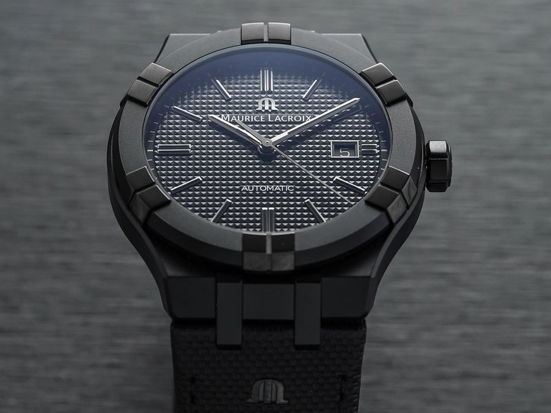 An Attractive All Black Sports Watch