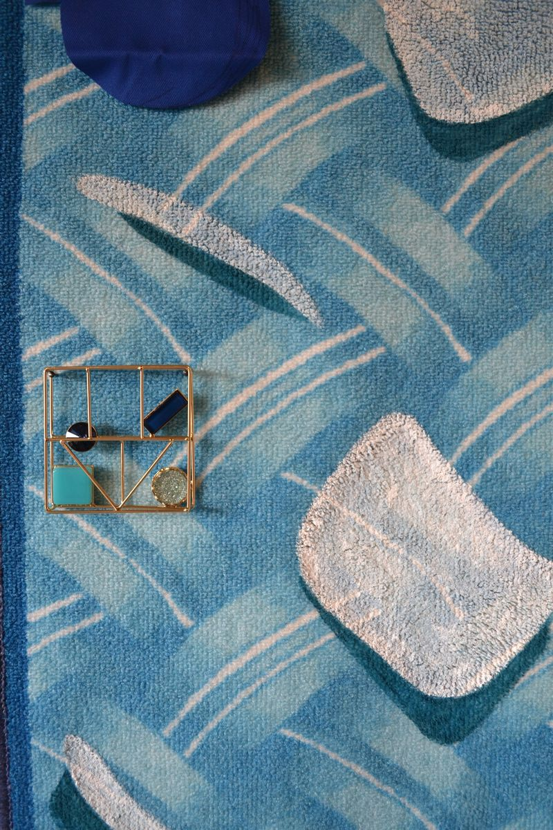 Ana Navas, Sunset(Detail), 2018, carpet, fabric, shoulder pads, acrylic, bijouterie,220 × 75 cm