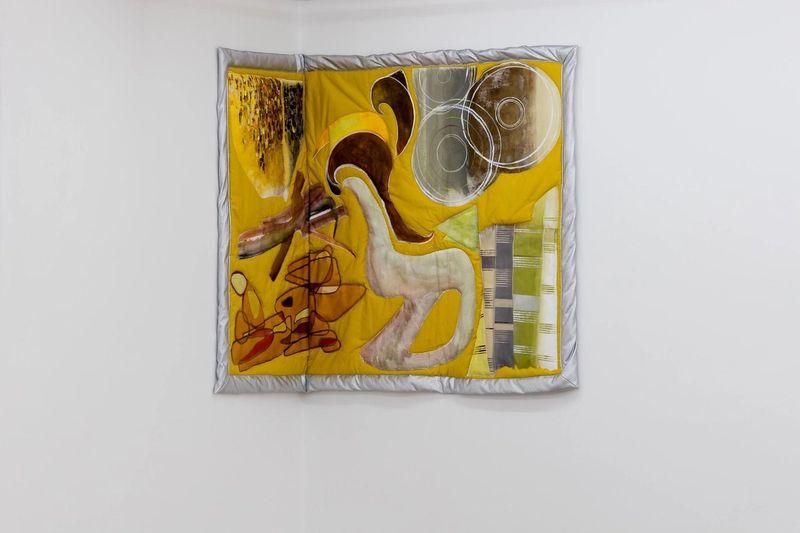 Ana Navas, Tara III,2019, acrylic, fabric, fake leather,120 × 170 cm, photo: Sebastian Kissel