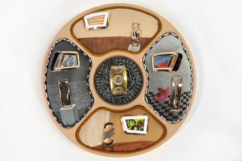 Ana Navas, My favorite female artists, 2019, plastic plate, acrylic, fabric, trinket, photo: Diego Torres,