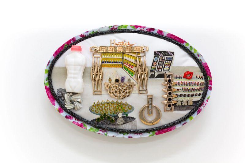 Ana Navas, Department store, 2020, plastic plate, acrylic, fabric, trinket, 26 × 29 cm, photo: CharlottMarkus