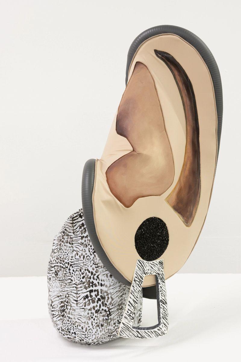 Ana Navas, Ear III,2019, vacuum cleaner, fabric, acrylic,88 × 40 × 35 cm, photo: Diego Torres