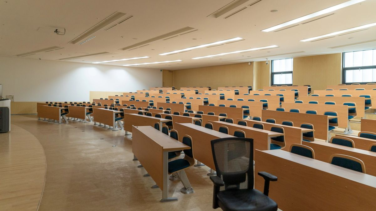 Empty Lecture Hall. Photo by Changbok Ko on Unsplash
