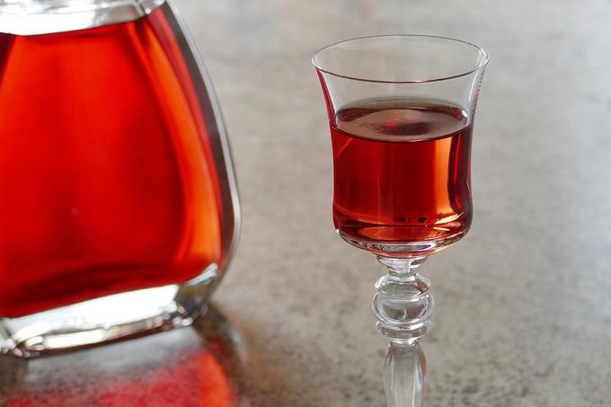 How to Make a Hawthorn Berry Cordial