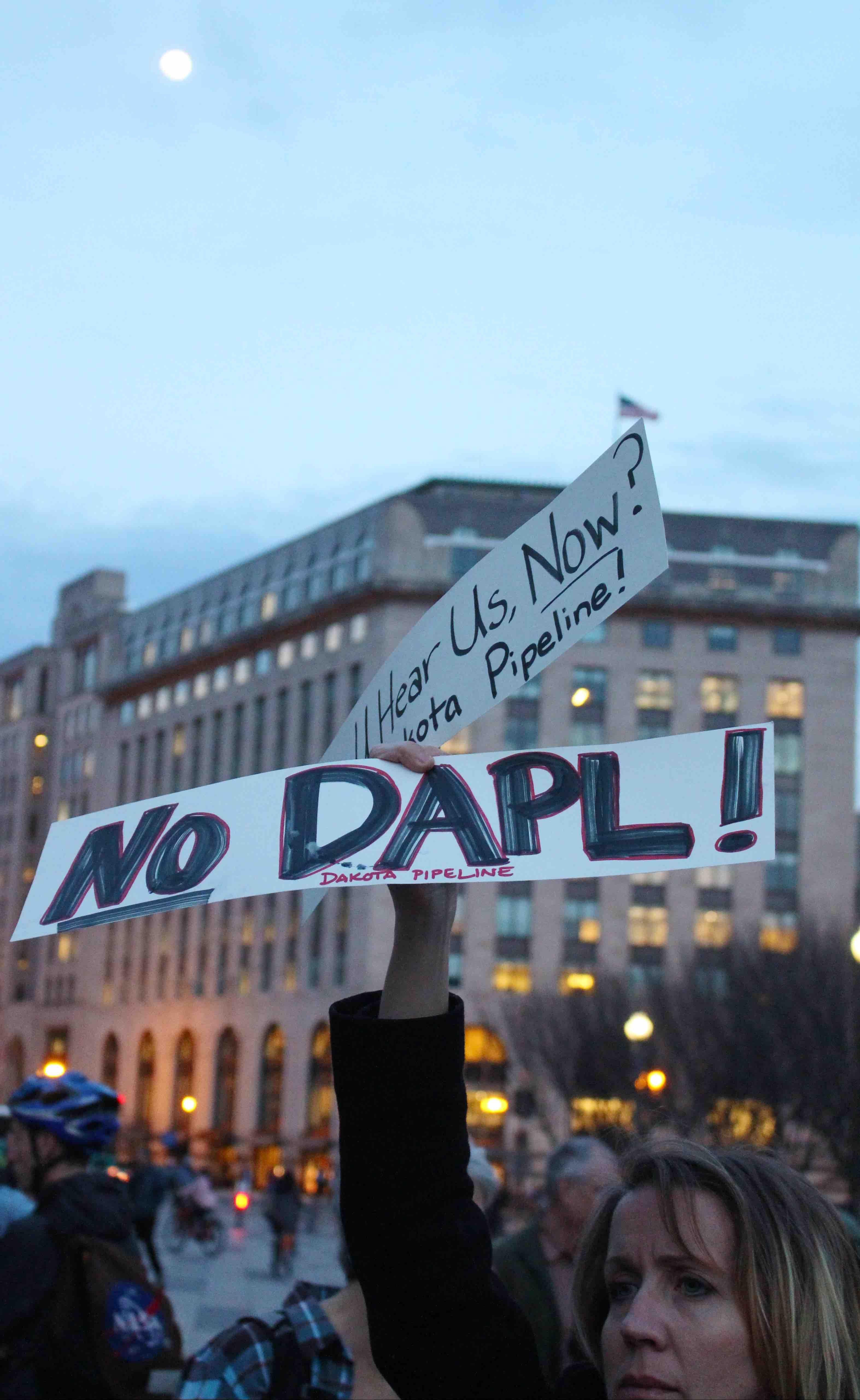 protest against DAPL the dakota access pipeline