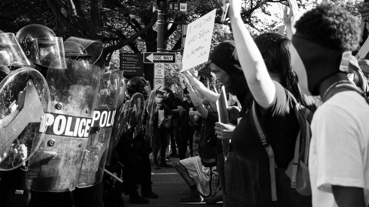 Black Lives Matter demonstrasjon i Washington DC, 1.juni 2020. Bilde tatt av Koshu Kunii fra Unsplash