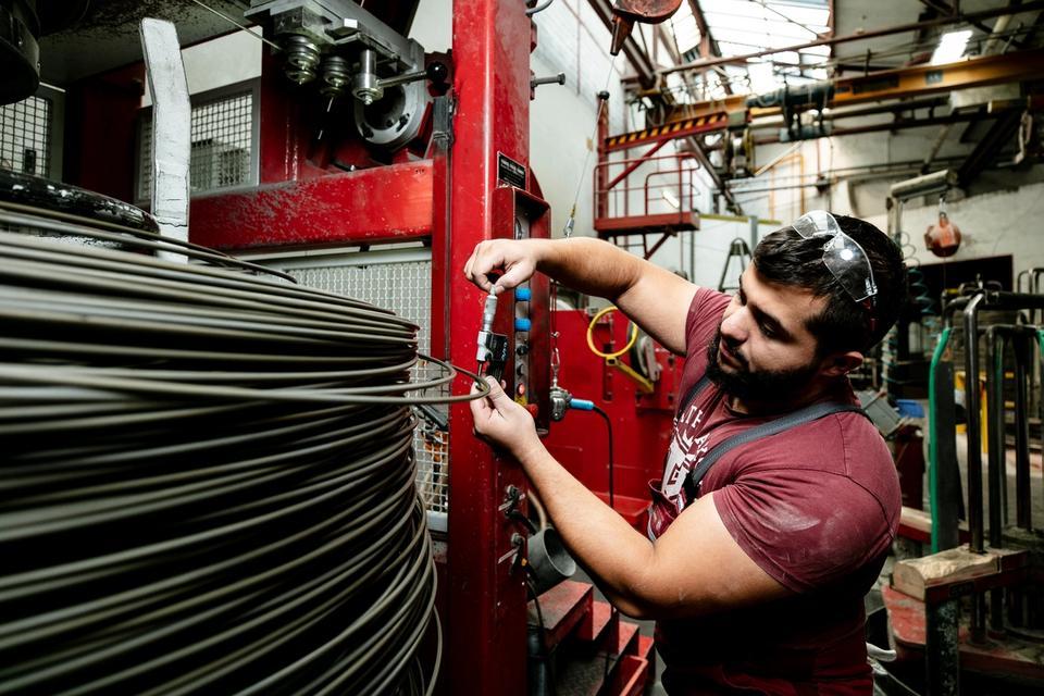 Fachkraft für Metalltechnik (m/w/d) Fachrichtung Umform- und Drahttechnik