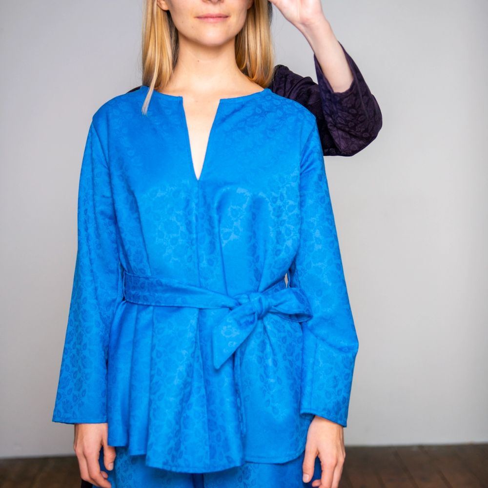 Katarina Skår Lisa with a blue dress