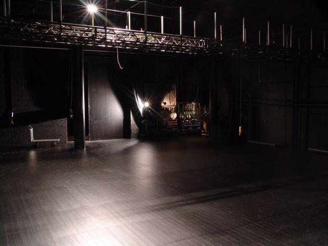 Store scene
