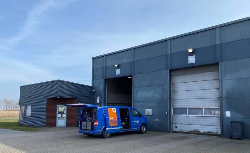 Lastbil ved adgang til firma som handler transportvask