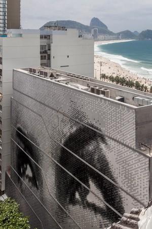 Carmen Miranda mural; MIS under construction, October 2015