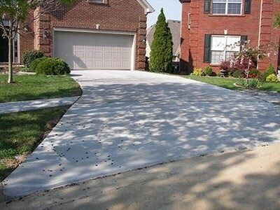 finished-concrete-driveway