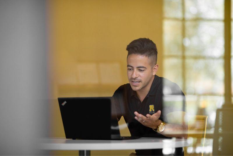 Francsico Vanegas, admission counselor, conducting a virtual visit.