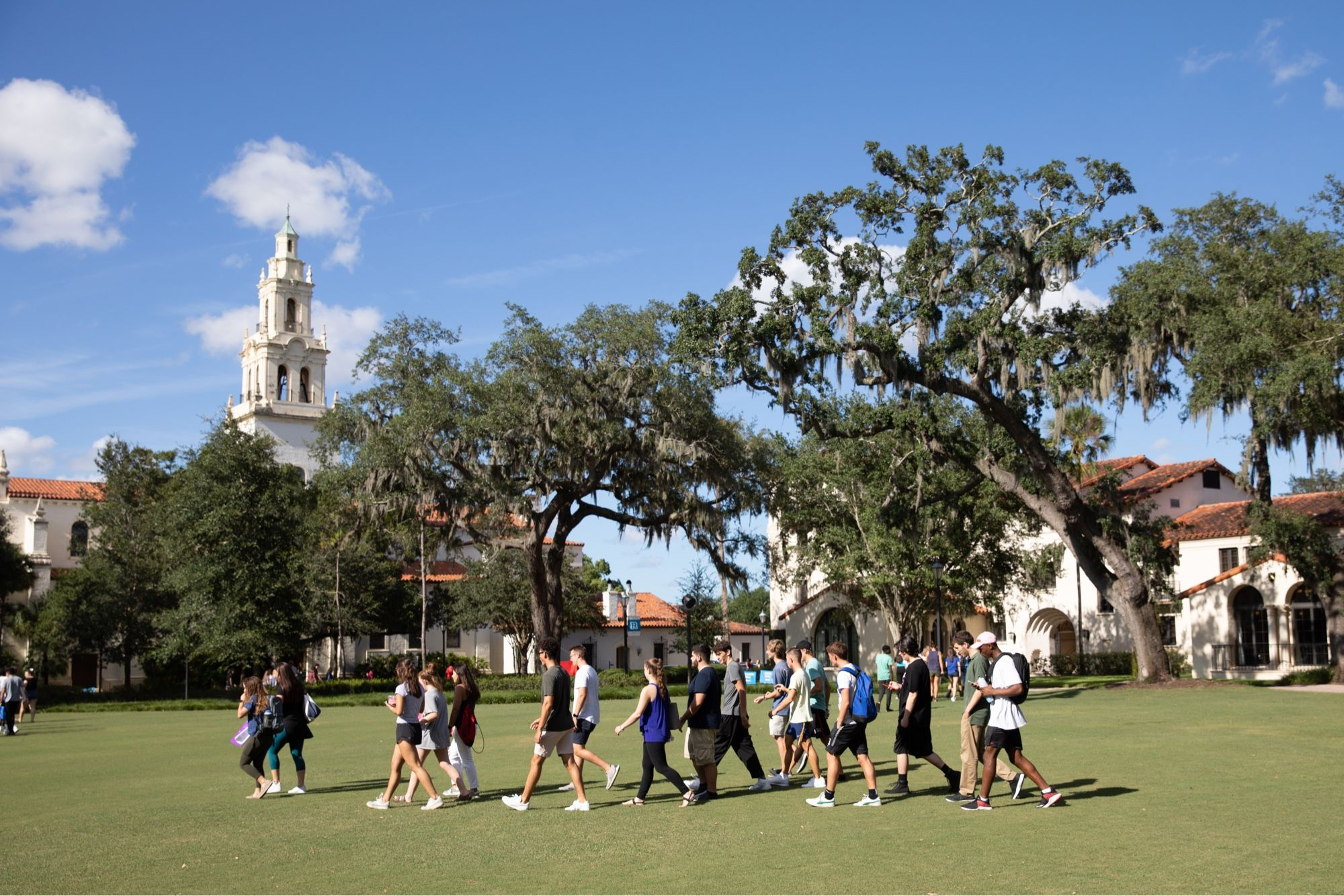 Rollins offers group campus tours.