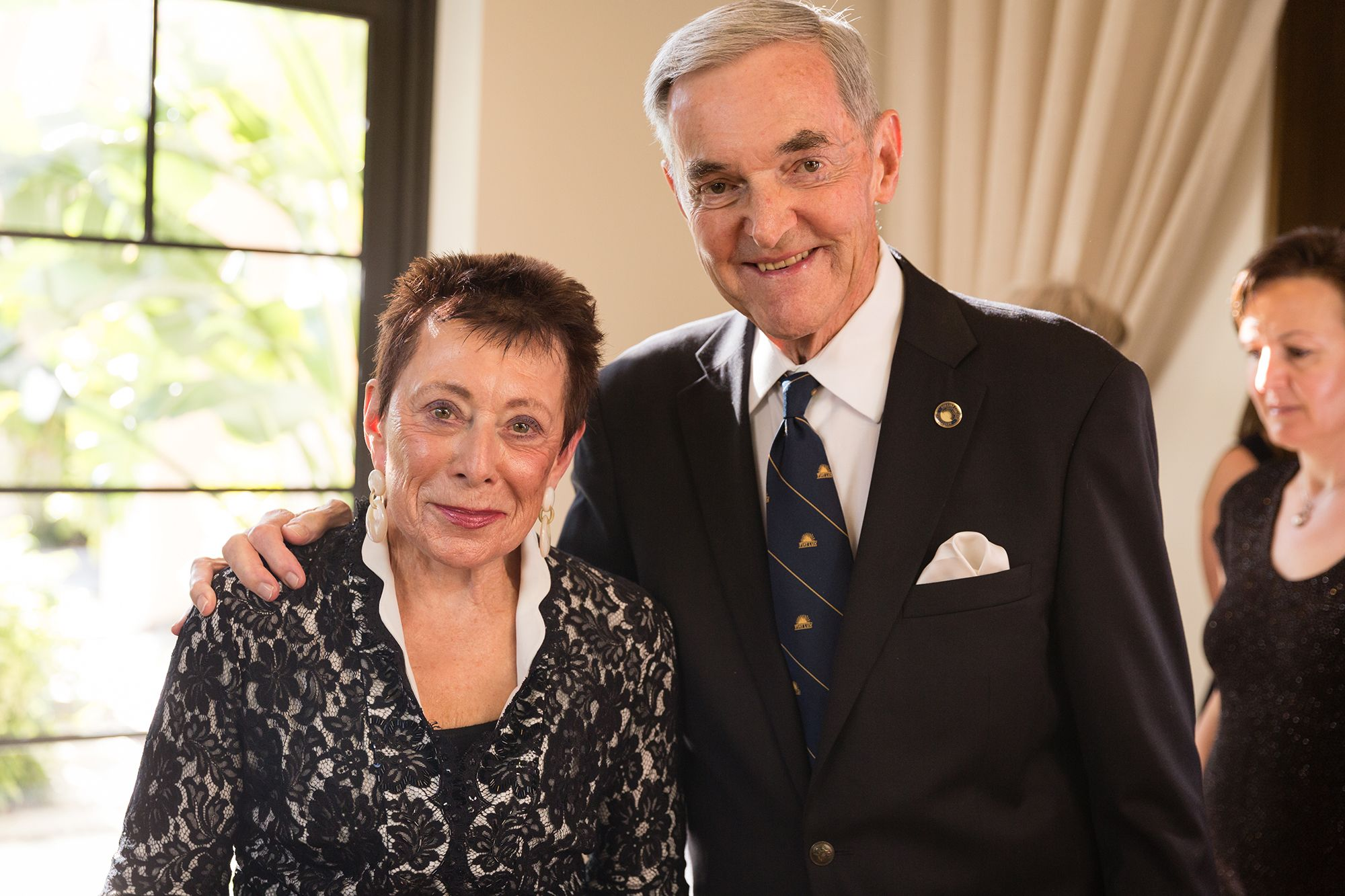 Frank Barker '52 '06H and his wife, Daryl Stamm Barker '53, at the inauguration of President Grant Cornwell at Rollins in 2015.