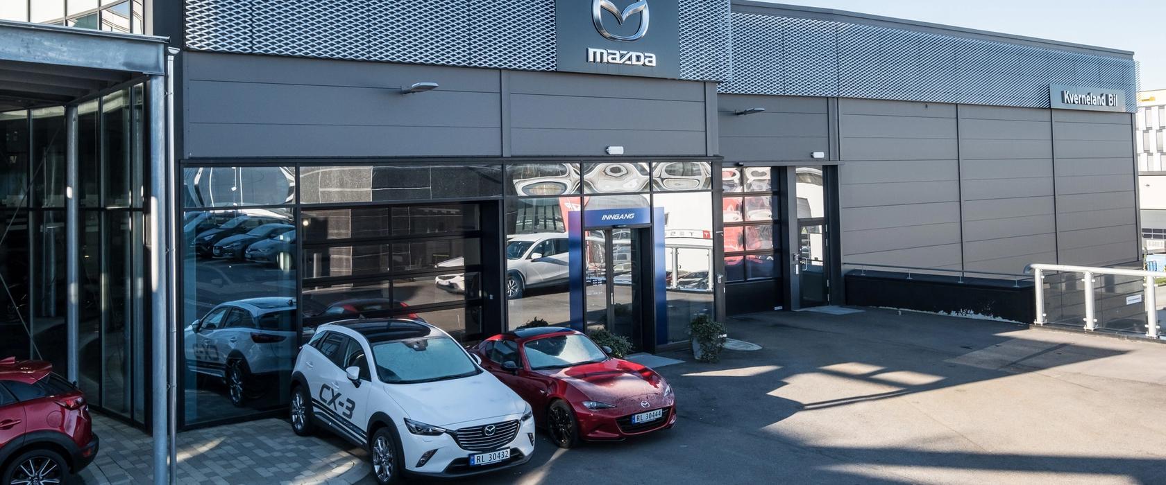 Inngangspartiet på Mazda Bilhuset