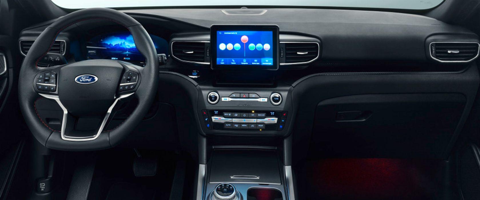 Nye Ford Explorer kommer med en 10,1 tommers sentralt plassert touchskjerm og et heldigitalt instrumentpanel