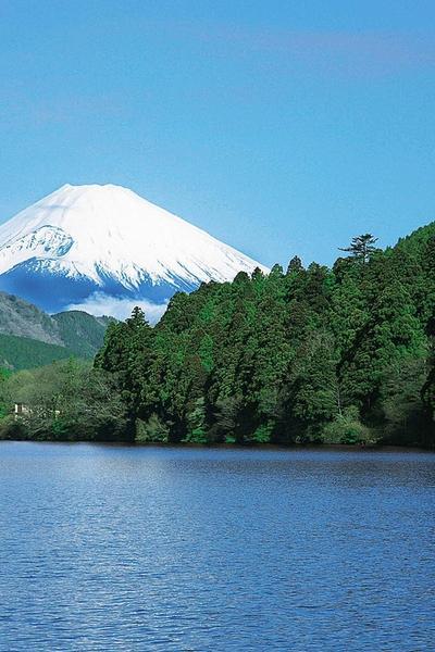MAJESTIC MT. FUJI & LAKE ASHI