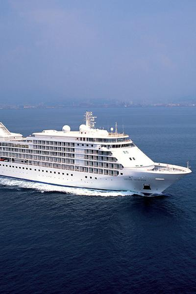 Intimate Luxury Ships