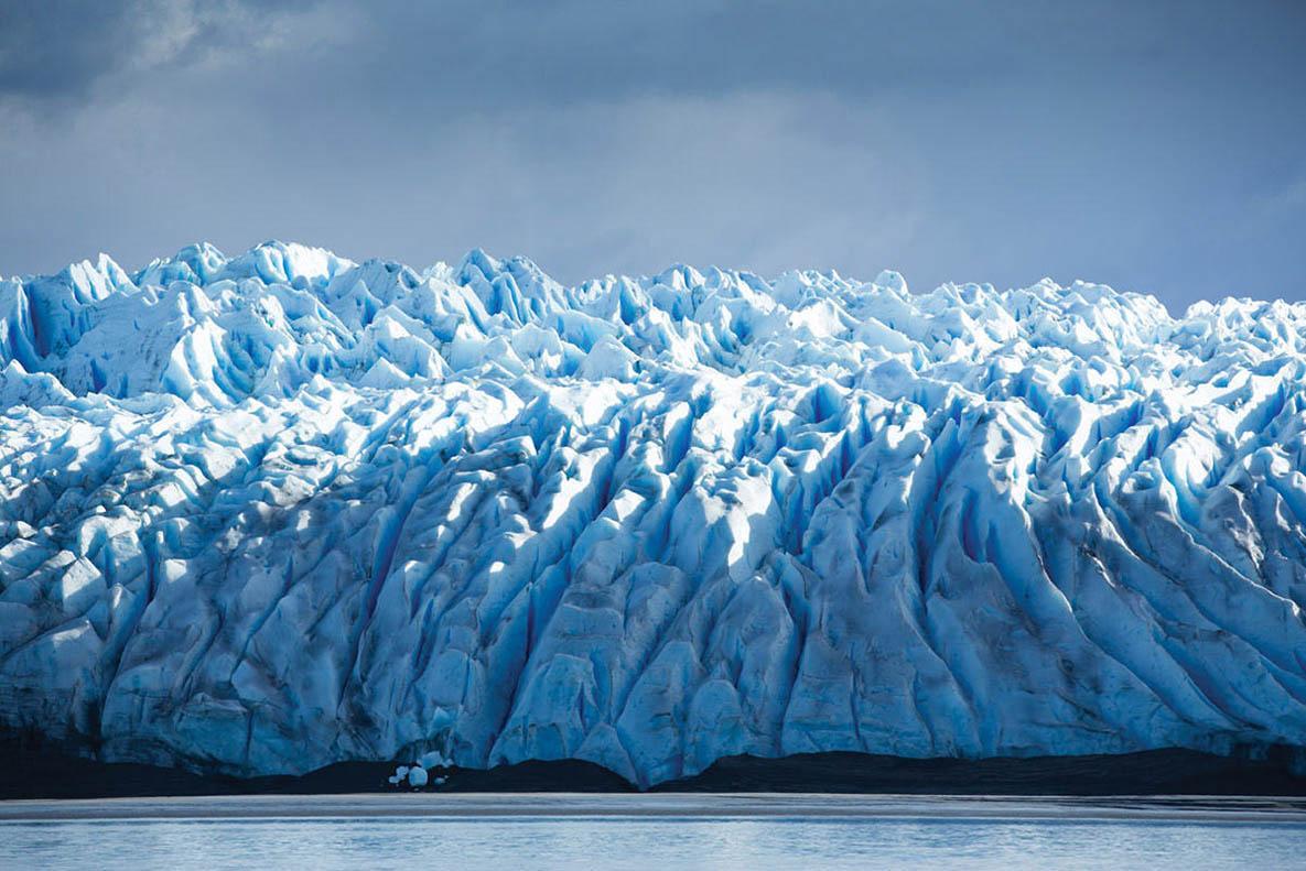 Cruising Pio XI Glacier