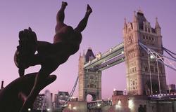 London (Tower Bridge)