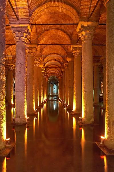 A Cisterna De 1001 Colunas