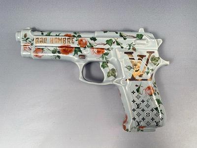 Bad Hombre, Grey Pistol LV