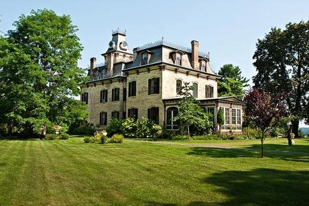 Hunt Slonem: Historic Home Restoration Process