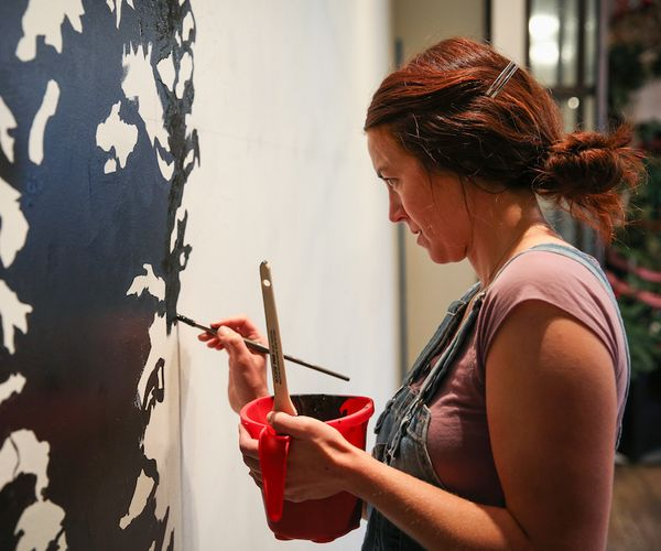 Local Artist Cites Gallery MAR for Helping Her Career