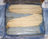 <p>Филе сайды без шкуры, проложенное, заморожено в море. Продаётся поштучно и на развес. Одно филе от 300г до 600г. Вес блока - 9 кг.</p>