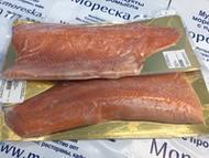 Филе лососёвых рыб на коже слабосолёное