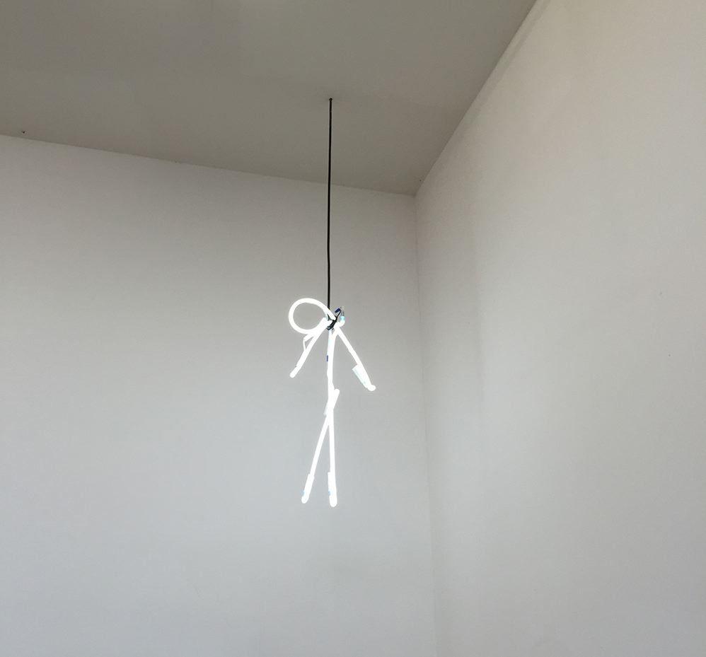 Hangman | Pieza de neón, transformadores y cables | 65 x 26 cm | 2012