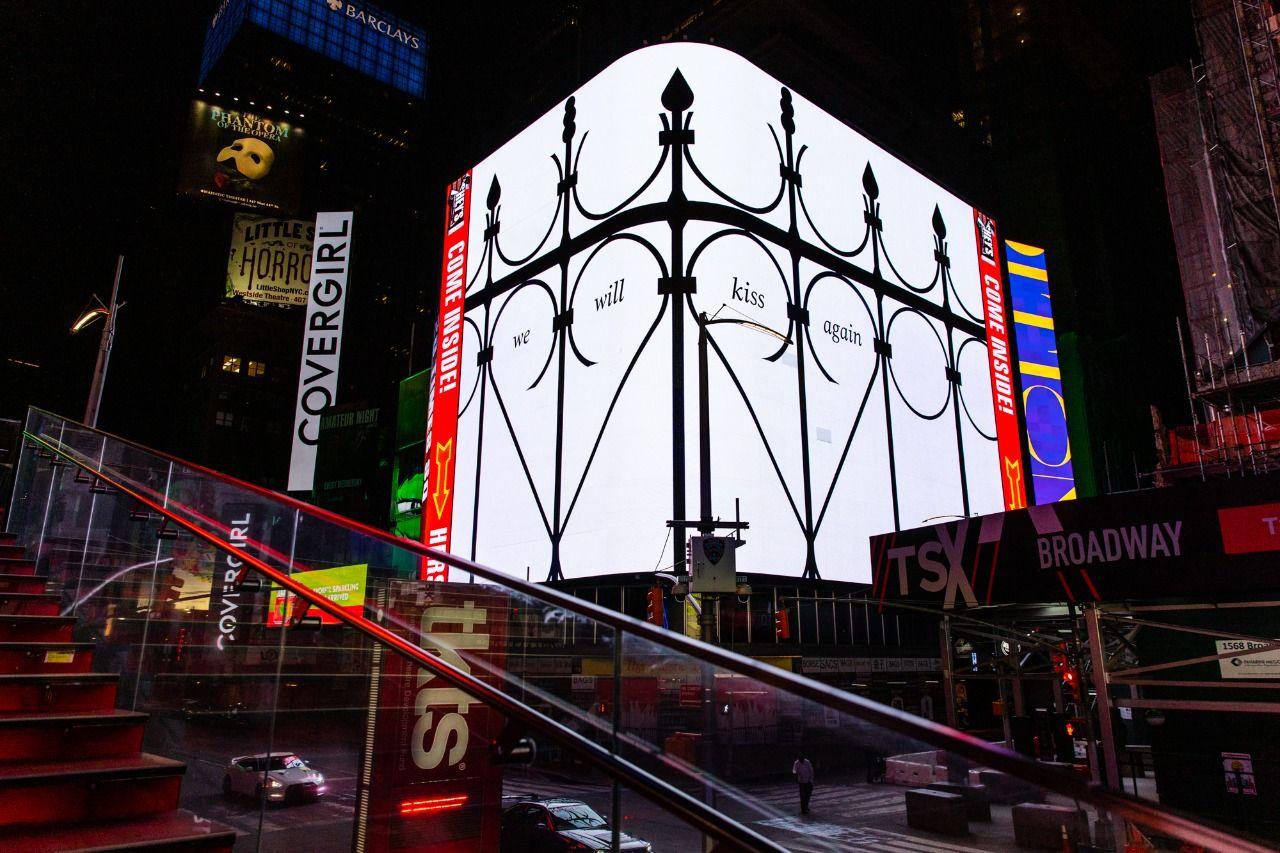 Pedro Reyes en Times Square, New York