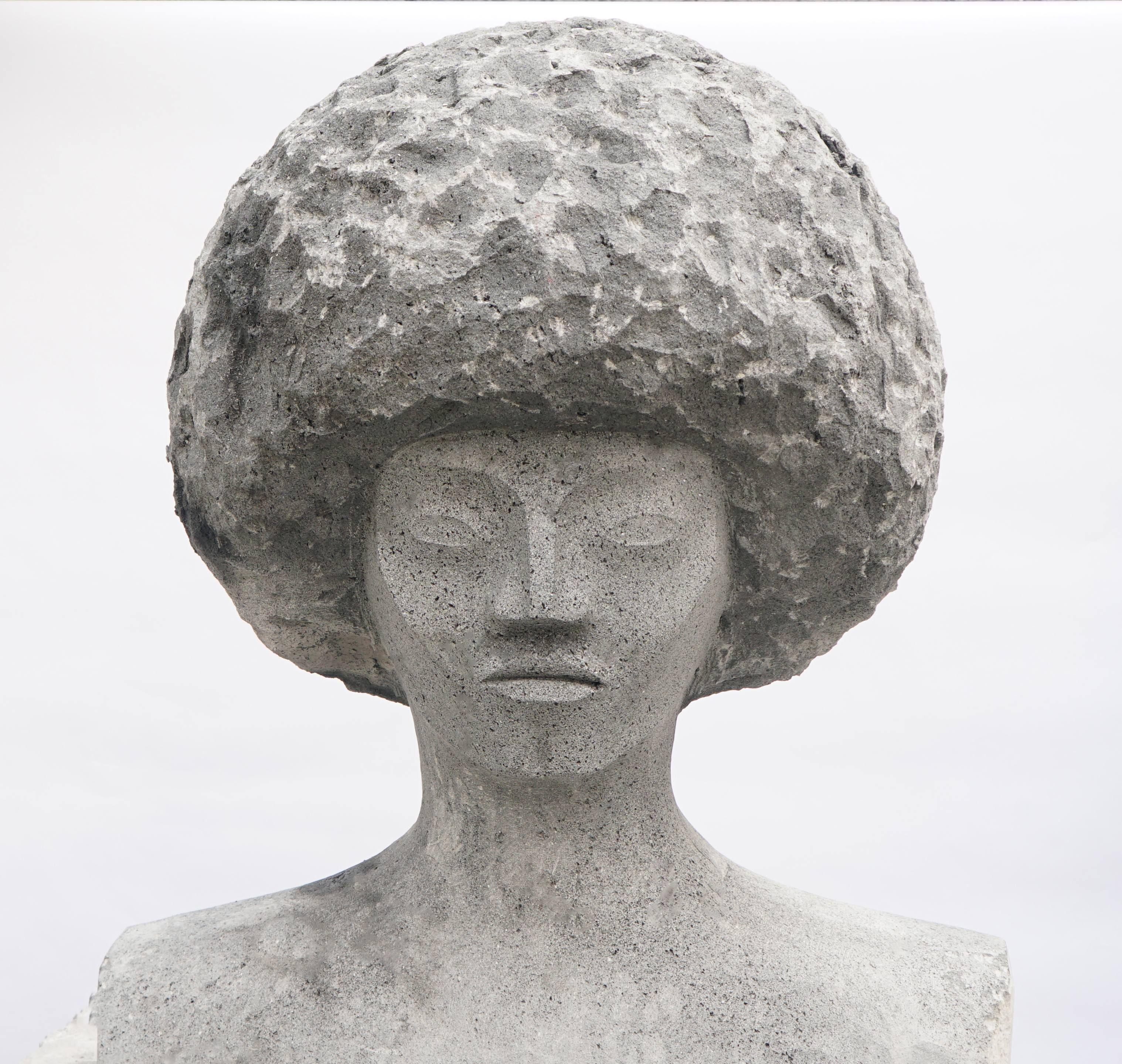 | Estatua de Angela Davis | Piedra volcánica de recinto | 2016