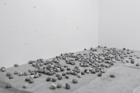 Lapidation Piece | 2012 | Piedras | dimensiones variables