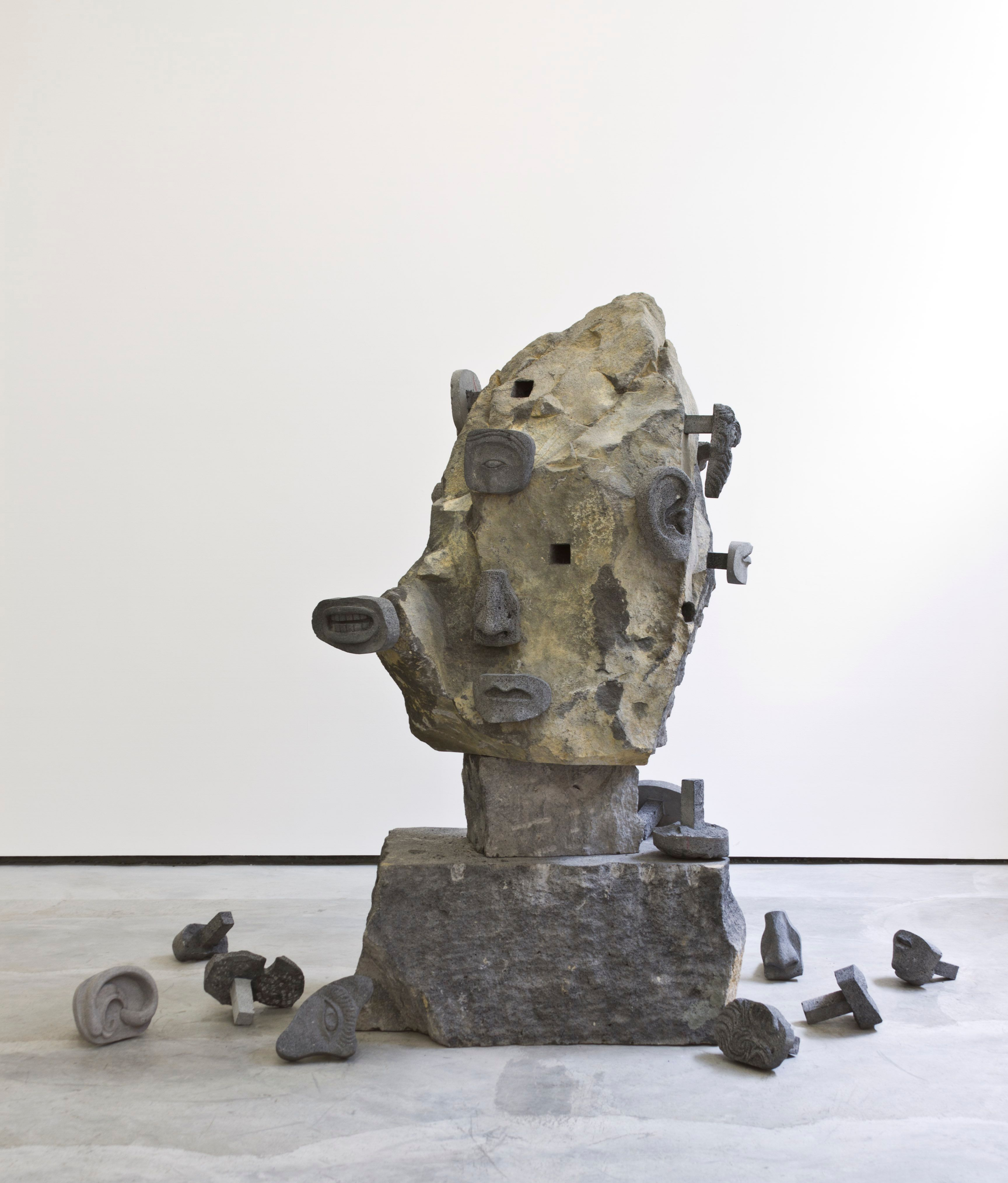 Pico della Mirandola (recinto de ozumba) | Piedra tallada | 160 x 80 x 65 cm | 2012