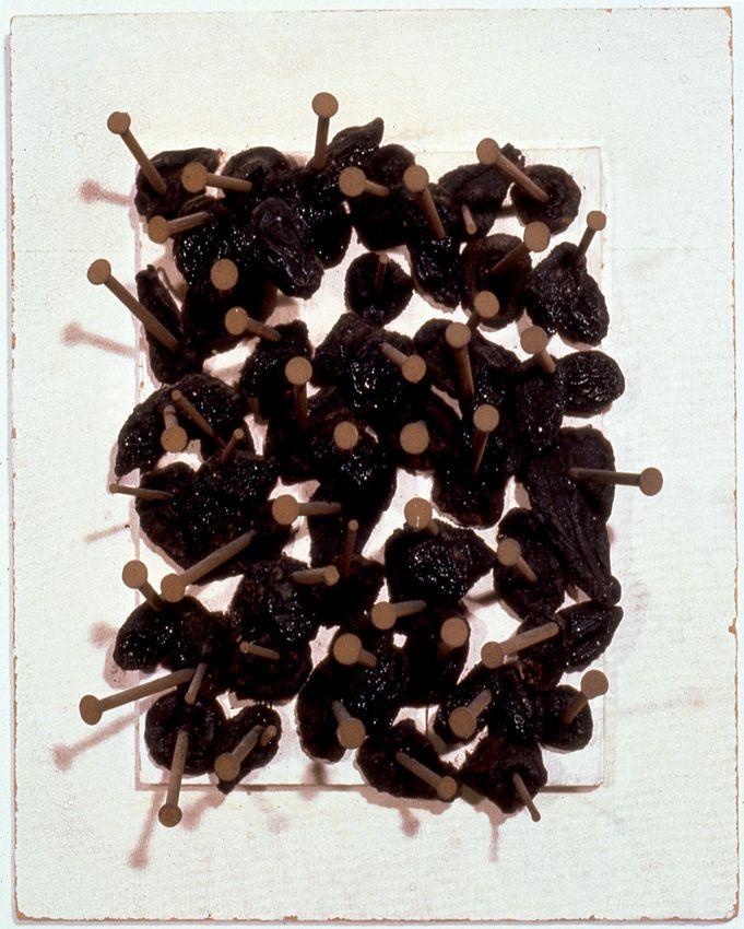 Petrified Forest #1   Ciruelas secas clavadas en dos capas de cartón   1962
