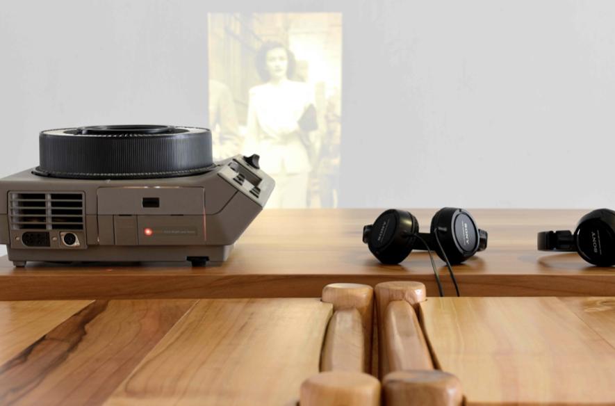 The Barragán Archives: Dearest Federica | 80 diapositivas, proyector de diapositivas, audio | Dimensiones variables | 2013