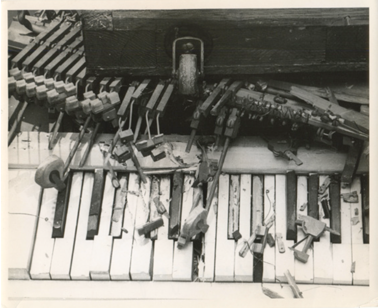 C-Print | Piano Destruction, NYC, c.1967 | Detalle # 11 Firmada al reverso | 2011