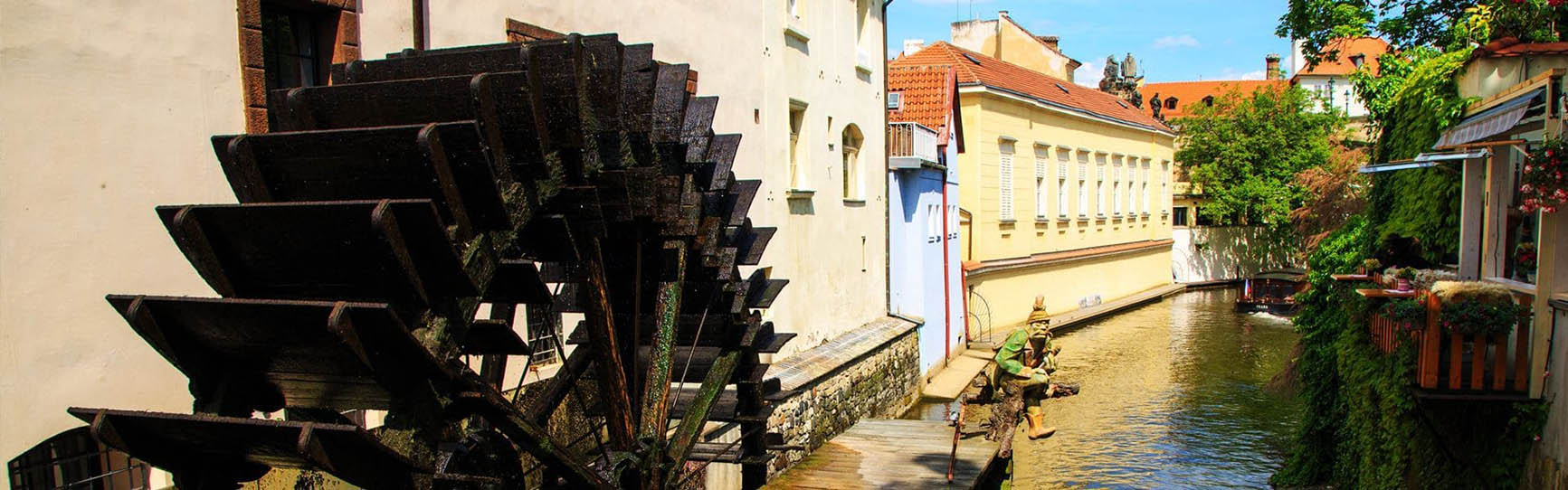 """Excursion to the """"Venice of Prague"""" by boat (Devil`s Channel)"""