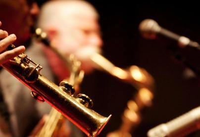 Plavby po Vltavě na jazzové lodi