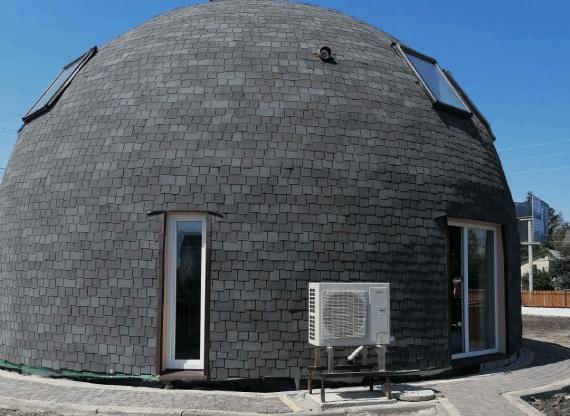 Вікна з профілю Rehau Synego в купольному будинку. Вигляд ззовні.