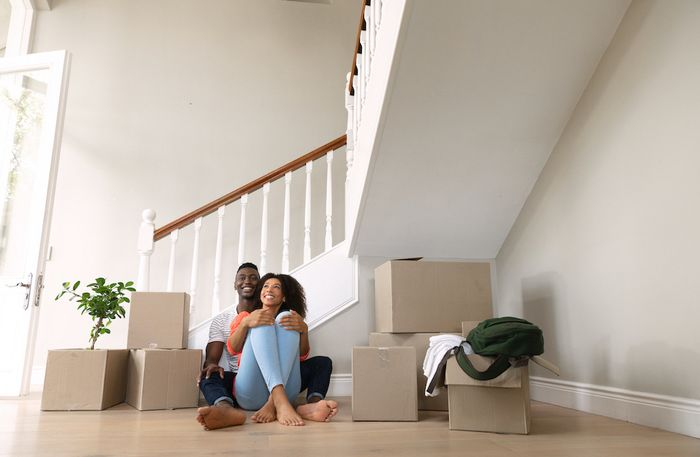 Couple moving in to new house.