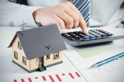 Calculating interest rate when refinancing home mortgage.