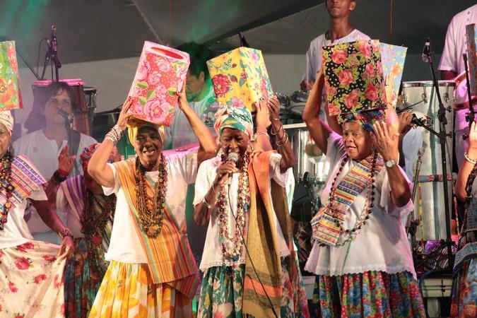 Ganhadeiras de Itapuã no show