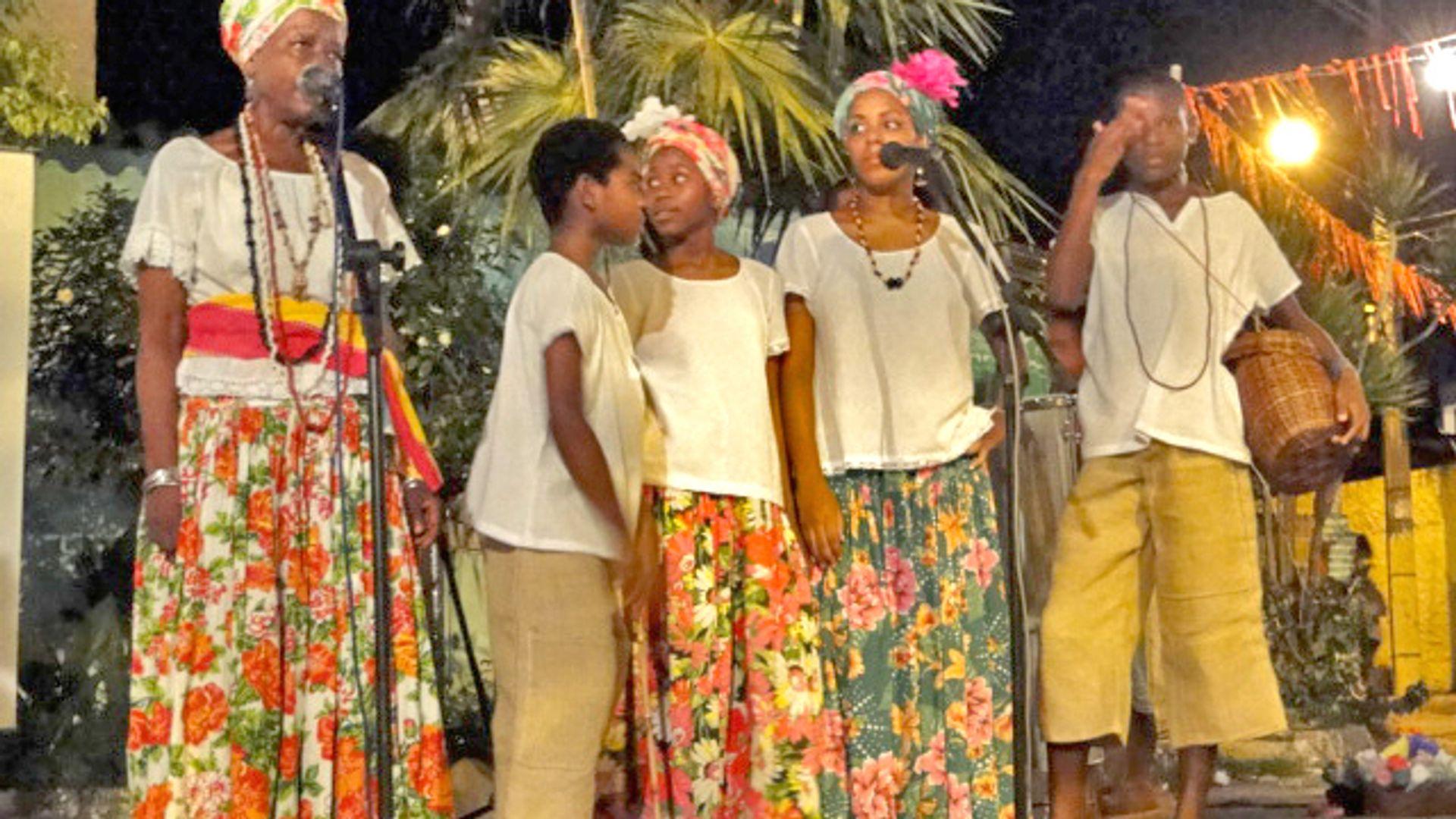 Primeiras apresentações em Itapuã. Foto: Acervo da Associação Cultural As Ganhadeiras de Itapuã