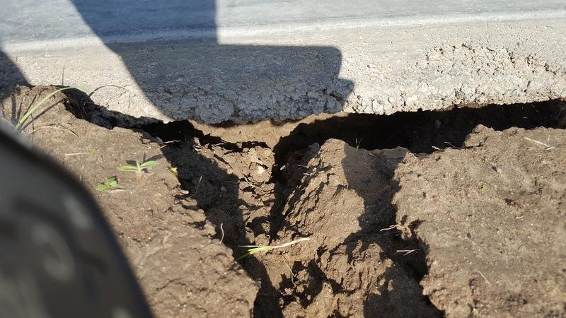 Drought - Soil settling under foundation due to lack of moisture